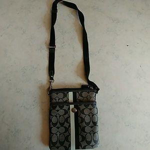 Coach purse cross mail bag